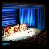 Photo prise au Broadhurst Theatre par Laura S. le10/16/2012