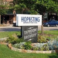 Foto diambil di Grapevine Craft Brewery oleh David L. pada 6/23/2021