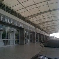 Foto tomada en Aeropuerto Internacional Palonegro (BGA) por Diego B. el 11/8/2012