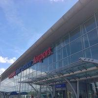 Foto tirada no(a) Liverpool John Lennon Airport (LPL) por Wolfgang S. em 6/2/2013