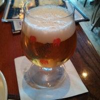Foto diambil di King Crab Tavern & Seafood Grill oleh Alex B. pada 5/17/2013