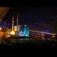 Das Foto wurde bei The House Café von Mehmet O. am 11/23/2012 aufgenommen
