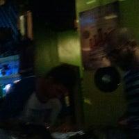 รูปภาพถ่ายที่ Tavarua Public Bar โดย daniel v. เมื่อ 12/27/2014