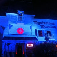 11/9/2013 tarihinde Allen S.ziyaretçi tarafından Mysterious Mansion'de çekilen fotoğraf