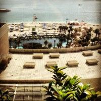Foto tirada no(a) Rixos The Palm Dubai por Mariia N. em 1/25/2013