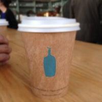 Снимок сделан в Blue Bottle Coffee пользователем Francis M. 1/14/2013