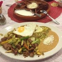 Foto tomada en Los Chilaquiles por Jorge L. el 10/16/2012