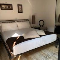 Foto scattata a Metropolitan Hotel da Adrienne R. il 10/8/2018