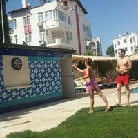 Foto scattata a Lara World Hotel Havuz Başı da 🎈👻 Benim . il 6/22/2016