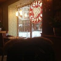 Снимок сделан в Costa Coffee пользователем Julia D. 1/8/2013