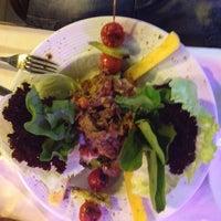 9/19/2012 tarihinde SeyrA💋ziyaretçi tarafından Angels Restaurant & Bar'de çekilen fotoğraf