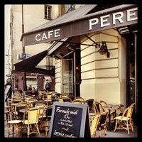 Photo prise au Café Père & Fils par Yanique F. le8/12/2013