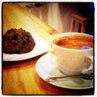11/7/2012 tarihinde Brad B.ziyaretçi tarafından Fahrenheit Coffee'de çekilen fotoğraf