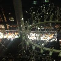 Das Foto wurde bei Gansevoort Park Rooftop von Chelsea P. am 7/28/2013 aufgenommen