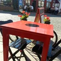 7/22/2013 tarihinde Pınar S.ziyaretçi tarafından Ada Cafe'de çekilen fotoğraf