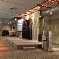 Foto tomada en Days Inn Kingston Hotel & Convention Centre por John-Ross P. el 4/24/2013
