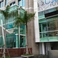 11/24/2012 tarihinde Josh ข.ziyaretçi tarafından Maruay Knowledge & Resource Center'de çekilen fotoğraf