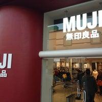 Foto scattata a MUJI 無印良品 da Osamu Y. il 12/28/2012
