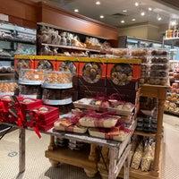 Photo prise au Balducci's Food Lover's Market par Christine A. le12/18/2020