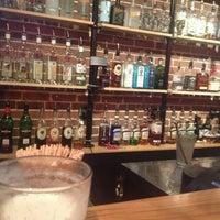 Photo prise au Eclectic Bistro & Bar par AnGie C. le1/12/2013