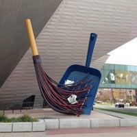 Foto tirada no(a) Denver Art Museum por Peter L. em 11/2/2012