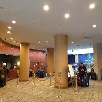 Foto diambil di The Watson Hotel oleh yuki_air pada 2/18/2014