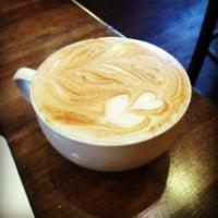 Foto tirada no(a) Dark Matter Coffee (Star Lounge Coffee Bar) por Jenny P. em 3/13/2013