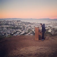 Foto scattata a Bernal Heights Park da Ros H. il 6/28/2013