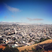 Foto scattata a Bernal Heights Park da Ros H. il 6/17/2013