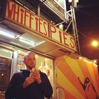 Photo prise au Whiffies Fried Pies par Ros H. le9/22/2013