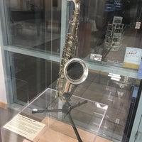 Foto diambil di Museum of Making Music oleh Jon S. pada 8/24/2017
