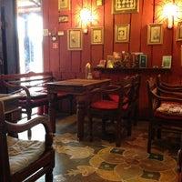 Foto tirada no(a) Кофейня «Кардамон» и лавка «Коллекция Пустяков» por Maxim K. em 4/18/2013