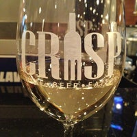 Photo prise au Crisp Wine-Beer-Eatery par Crystal H. le4/5/2013