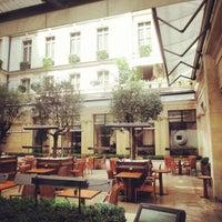 Photo prise au Park Hyatt Paris-Vendome par Gontran P. le7/25/2013