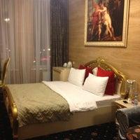 รูปภาพถ่ายที่ Гранд Отель Белорусская โดย Alla S. เมื่อ 4/27/2013