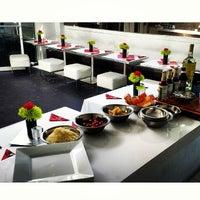 Foto tomada en Pearl Restaurant and Lounge por The Bite Life w. el 5/7/2014