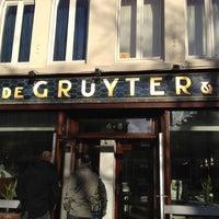 Photo prise au Cafe Restaurant Piet de Gruyter par Andrea le11/18/2012