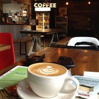 Снимок сделан в Taza. A social coffee house. пользователем ᴡ S. 4/12/2013