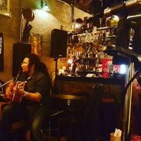 Photo prise au Adhere the 13th Blues Bar par Kijjaz M. le6/8/2016