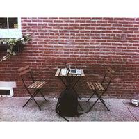 Foto scattata a ReAnimator Coffee da Mark L. il 8/19/2013