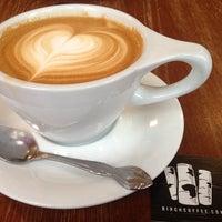 Foto scattata a Birch Coffee da Aaron M. il 5/17/2013