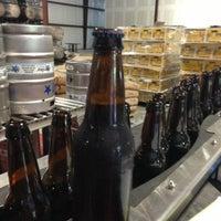 6/18/2013에 Chris A.님이 Shmaltz Brewing Company에서 찍은 사진