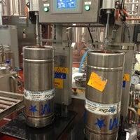 7/2/2013에 Chris A.님이 Shmaltz Brewing Company에서 찍은 사진