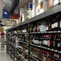 Снимок сделан в Spec's Wines, Spirits & Finer Foods пользователем Amy H. 2/6/2013