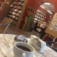 Foto tirada no(a) Librería El Virrey por Gonz em 9/12/2013