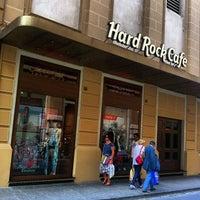 Foto scattata a Hard Rock Cafe Florence da Luthfi S. il 7/6/2013