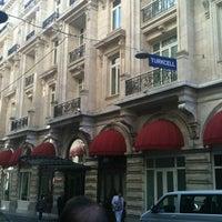 Foto scattata a Pera Palace Hotel Jumeirah da raphael s. il 6/12/2012