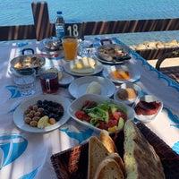 Foto scattata a Altınoluk Kahvaltı & Restaurant da Yuliya🇷🇺 il 7/19/2021