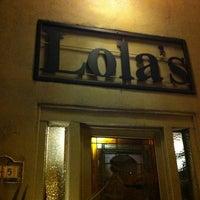 1/13/2013 tarihinde Tara F.ziyaretçi tarafından Lola's'de çekilen fotoğraf