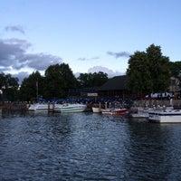 Foto tomada en Lord Fletcher's Old Lake Lodge por 🇺🇸 el 7/28/2014